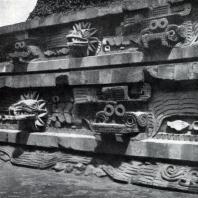 Пирамида Кецалькоатля в Теотихуакане. Фрагмент. Культура тольтеков