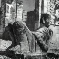 Статуя божества дождя Чак-Моля из Чичен-Ица. Культура майя. Известняк. Мехико, Собрание Национального института антропологии