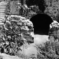 Александрия Египетская. Некрополь Анфуши. Вид гипогея с северо-западной стороны. Эллинистическо-римский период