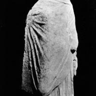 Так называемая Танагрийка. Терракота. Начало III в. до н.э. Греко-римский музей в Александрии