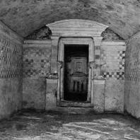 Александрия Египетская. Некрополь Анфуши. Внутренний вид гипогея. Эллинистический период