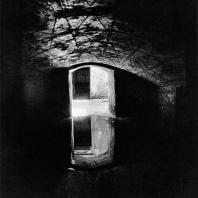 Александрия Египетская. Некрополь Анфуши. Залитый водой зал одного из гипогеев. Эллинистический период