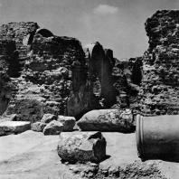 Александрия Египетская. Ком эль-Дикка. Часть римских терм. Вид с восточной стороны. III — IV в.н.э.