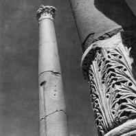 Александрия Египетская. Ком эль-Дикка. Реконструированные колонны в западных помещениях театра