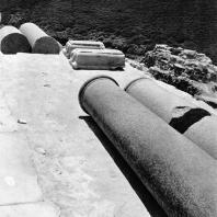 Александрия Египетская. Ком эль-Дикка. Гранитные колонны и христианские мраморные консоли на верхней части театра. Вид с востока