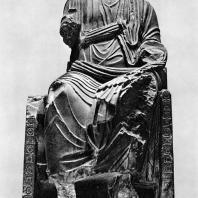 Порфировая статуя императора, сидящего на троне (Диоклетиана?). Конец III в.н.э. Греко-римский музей в Александрии