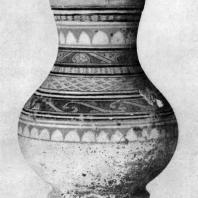 Керамический сосуд типа ху. Период Хань. 3 в. до н. э. — 3 в. н. э. Пекин. Исторический музей