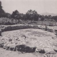 Гробница в Платаносе, раннеминойский период. Крит. Фото: Анджей Дзевановский