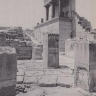 Северный вход в дворец Кносса (Крит). Фото: Анджей Дзевановский