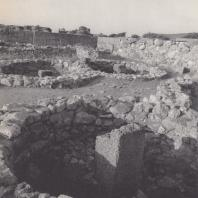 Амбары возле дворца. Малиа, Крит. Фото: Анджей Дзевановский