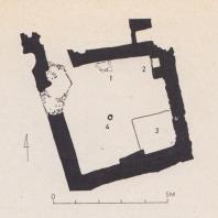 Неолитический дом в Кноссе: 1-2. Камеры для хранения продуктов; 3. Спальное место; 4. Очаг и волоковое окно