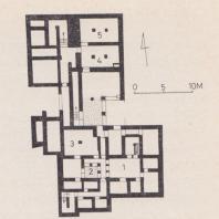 План дома А в Тилиссе, Крит: 1. основные помещения; 2. световой люк; 3-5. склады