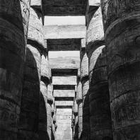 Карнак. Египет. Храм Амона. Большой гипостильный зал. Южная сторона, вид с востока. Фотограф: Анджей Дзевановский