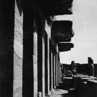 Карнак. Египет. Храм Амона. Фрагмент Хебседного зала Тутмоса III. Фотограф: Анджей Дзевановский