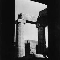Карнак. Египет. Храм Амона. Хебседный зал Тутмоса III. Фотограф: Анджей Дзевановский