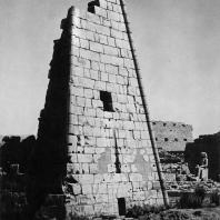 Карнак. Египет. Фрагмент VIII пилона. Фотограф: Анджей Дзевановский