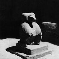Карнак. Египет. Скульптура павиана в гипостильном зале храма Хонсу времени Рамсеса III. Фотограф: Анджей Дзевановский