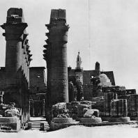 Луксор. Египет. Процессионная колоннада Аменхотепа III. Вид с южной стороны. Фотограф: Анджей Дзевановский