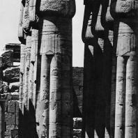 Луксор. Египет. Часть гипостильного зала. Фотограф: Анджей Дзевановский