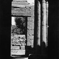 Луксор. Египет. Вид из второго преддверия в сторону востока. Фотограф: Анджей Дзевановский