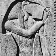 Луксор. Египет. Бог письменности Тот. Фрагмент трона Рамсеса II. Первый двор. Фотограф: Анджей Дзевановский