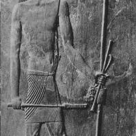 Зодчий Хесир. Рельеф на деревянной тарелке, найденной в его гробнице в Саккаре. III династия. Египетский музей в Каире. Фото: Анджей Дзевановский