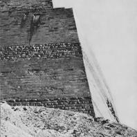 Пирамида Снофру в Медуме. IV династия. Вид с северо-запада. Фото: Анджей Дзевановский