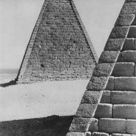Пирамиды в Мероэ (Нубия, Судан). Меройский период (295 г. до н. э. - 350 г.). Фото: Анджей Дзевановский
