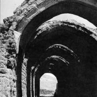 Фивы. Египет. Рамессеум. Склады храма. Фотограф: Анджей Дзевановский