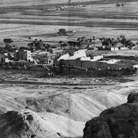 Фивы. Египет. Мединет-Абу. Общий вид с севера. Фотограф: Анджей Дзевановский